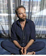 Hugo Weaving UNSIGNED photo - B1147 - The Matrix, V for Vendetta, The Hobbit