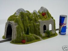 5034 Heki Single Track Straight Tunnel With Arch 370mm HO OO Gauge Model Railway