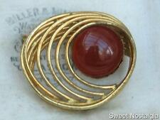 LOVELY VINTAGE 60'S MODENIST GOLD PLATED CARNELIAN RED GLASS CABOCHON BROOCH