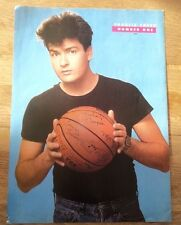 CHARLIE SHEEN and his fav basketball magazine PHOTO/Poster/clipping 11x8 inches