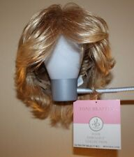 Women's EUC Toni Brattin Salon Wig Hair Medium Blond Short Hair Lite N' Easy