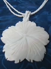 Exquisite Vintage Floral MOTHER OF PEARL SHELL Pendant Necklace