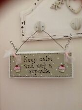 Keep calm & eat a Cupcake Chic KITCHEN OFFICE Wooden Plaque Hanger CUPCAKE