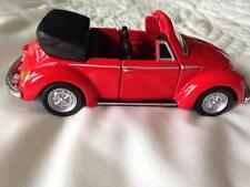 MAISTO VW VOLKSWAGEN BEETLE 1303 CABRIOLET DIECAST RED OPEN DOOR CAR 1/36