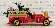 Set Exclusive CHRISTMAS Holiday OLD NUMBER 5 FIRE ENGINE TRUCK Santa HOT WHEELS