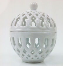 "Basic Porcelana Home Essential Pierced Box , Covered  Candy bowl 5"" White"