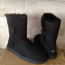 UGG Classic Short Bailey Button Black Suede Sheepskin Boots US 7 Womens 5803