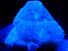 KB:  SW FL BRIGHT BLUE/WHITE SCHEELITE CRYSTAL ON MATRIX FROM PINGWU, CHINA