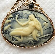 Mermaid Seashell Cameo Pendant 14K Rolled Gold Jewelry Cream Resin
