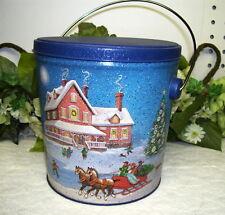 TIN BOX W/ LID BALE HANDLE SLEIGH RIDE FARM HOUSE POTPOURRI PRESS 1987