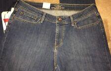 """BNWT Levi's Slight Curve Classic Slim Leg Blue Jeans. 34""""W X 34""""L"""