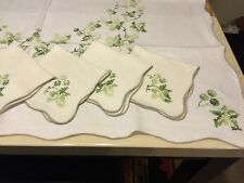 """Set Of 4 Linen Napkins And Matching Tablecloth 40x40"""" Hand Embroidered NWT"""