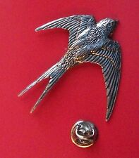 English Pewter SWALLOW, bird Pin Badge Tie Pin / Lapel Badge (XTSBPB25)