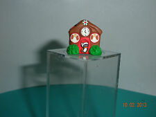 DOLLHOUSE MINI ONE INCH  SCALE  CHRISTMAS GINGERBREAD COTTAGE W/ DECORATIONS