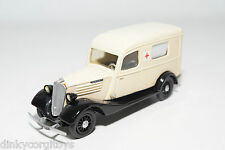PARADE RESIN RENAULT CELTAQUATRE 500KG 1937 AMBULANCE NEAR MINT CONDITION RARE