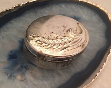 Beautiful Repoussé Oval Pill/Snuff/Trinket Box .800 Sterling Silver ITALY - L038