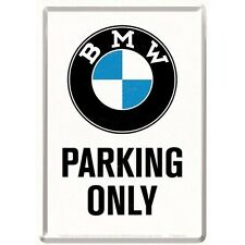 PLAQUE EN METAL EMAILLEE 10 X 14 cm (CARTE POSTALE) BMW PARKING ONLY