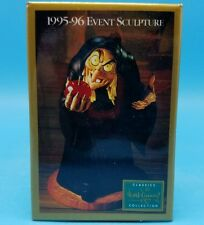Walt Disney Classic Collection 1995 Event Snow White Wicked Witch Pin Button NOS
