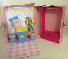 1989 Princess Barbie Carry Case w Doll Fold Out Kitchen Vanity House Wardrobe