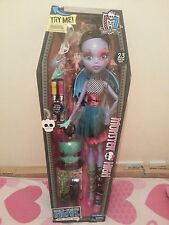 "MONSTER  HIGH VOLTAGEOUS 28"" GORE- GEOUS GHOUL-BEAST FREAKY FRIEND - BNIB"