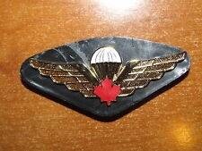 Canadian Army Qualification Badge Airborne Parachute Jump Wings Red Maple Leaf
