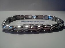 SILVER (sp) HUGS & KISSES MAGNETIC THERAPY BRACELET JEWELRY PRO HEALTH