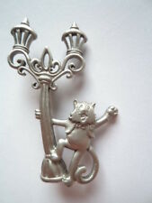 Vintage Signed JJ Silver pewter Streetlight Singing Cat Brooch/Pin