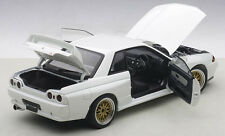 Autoart NISSAN SKYLINE GT-R R32 TUNED VERSION GLOSSY WHITE 1/18 Scale New!