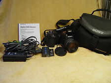 SONY CYBER-SHOT DSC-F828 8MP DIGITAL CAMERA bundle 7x Optical Zoom LENS CASE ETC