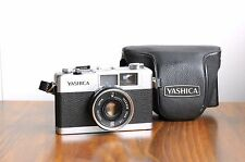 YASHICA 35-ME   Compact 35mm film Camera   w/ Leather Case  * Good Condition *