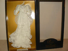 Franklin Mint White Dressing Gown/Accessories For Titanic Vinyl Rose Doll