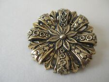 Scarf clip round thin detailed brass made in Holland EUC