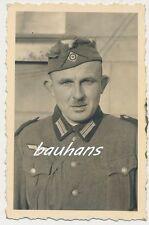 Foto Soldat Wehrmacht mit Schiffchen    2.WK  (e410)
