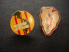 2 Lapel Pins: US 25th Infantry Division TROPIC LIGTHNING + VIET NAM VETERAN