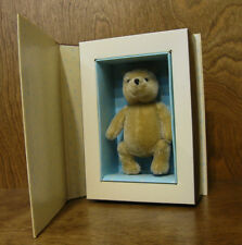 """Classic Pooh Gund  Plush #7931 CLASSIC POOH IN BOOK, Mohair, fully jointed 5"""""""