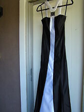 JESSICA McCLINTOCK GUNNE SAX BLACK WHITE LONG FORMAL HALTER DRESS NWT Sz 1 $179
