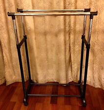 ROLLING CLOTHING RACK retail garment display Commercial Wheels 2 pole