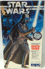 STAR WARS : DARTH VADER PLASTIC MODEL KIT MADE BY AMT/MPC IN 1992 (MI)