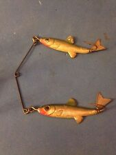 Fred Arbogast TWIN LIZ Minnows Vintage Metal Fishing Lure / Harness Tin Liz 1950