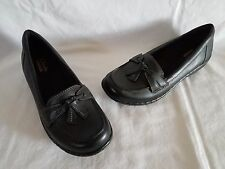 "CLARKS ""Ashland Bubble"" Black Leather Loafers Flats w/Tie Look Tassle 5.5 M NEW!"