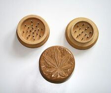 Brand New Wooden Grinder Carved Leaf Classic pins grinding teeth FREE UK Post