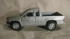 Dodge Ram 4X4 Pick Up Truck In A Silver 144 Scale Diecast By Kinsmart 2013 dc727