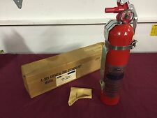 NOS 70'S FORD / LINCOLN / MERCURY FIRE EXTINGUISHER D6AZ-19B540-A TRUCK MUSTANG