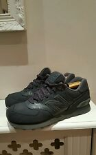 Immaculate Men's New Balance 574 Leather And Suede Trainers 9 UK Worn Once