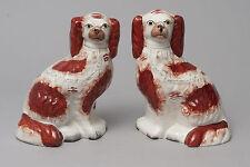 Deux Antique Staffordshire Pottery Fireside Cheminée Spaniel Chiens c1870