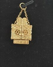 "CW42    14K YELLOW GOLD  3D VINTAGE ""TORAH ARK WITH THE TORAH""  CHARM PENDANT"