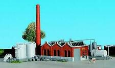 Kibri 36764 NEW Z SHED HALL WITH CHIMNEY AND FUEL TANKS