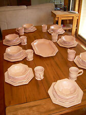 Dishes - perfect set of 8, color rose