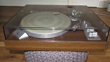 QUALITY YAMAHA YP-511 DIRECT DRIVE VINTAGE TURNTABLE. EXCELLENT WORKING ORDER.