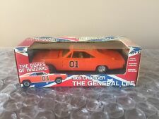 THE DUKES OF HAZZARD GENERAL LEE 1969 CHARGER DIE CAST METAL NEW 1:25 Scale